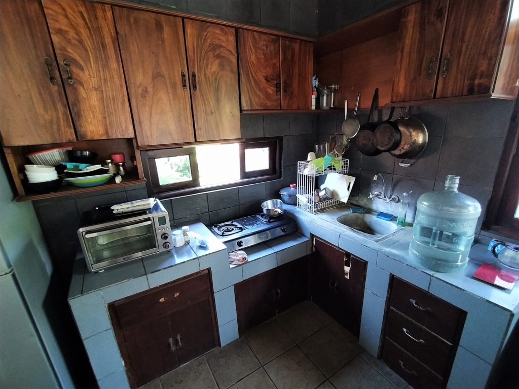 バリ島の家賃情報プール付き賃貸アパート