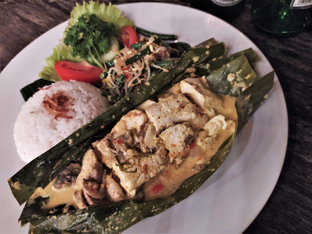 レンボンガン島のレストラン